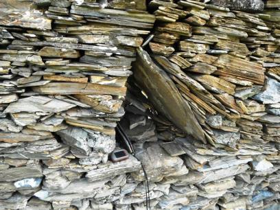 Finestra de la barraca del corral del Capelleres (Queralbs)