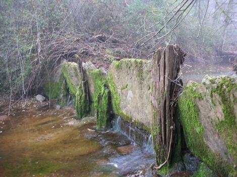 Resclosa situada davant del molí del Sors